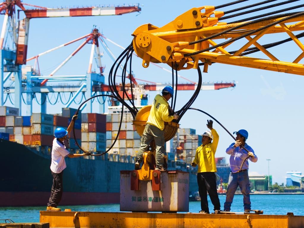 106年港務公司2度招考開缺124名 起薪最高4.5萬