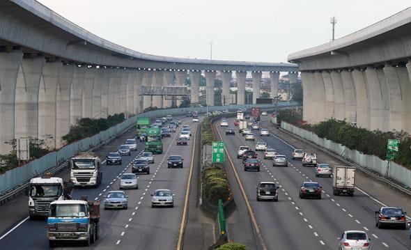 國道高速公路徵事務員 月薪33K起