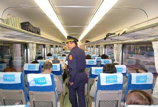 警察特考錄取高達三成 鐵路特考應趁早準備