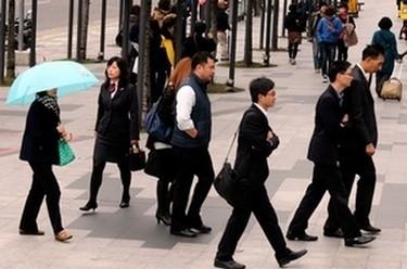 2016年後轉職潮 八成上班族戰轉職 近三成想考公職