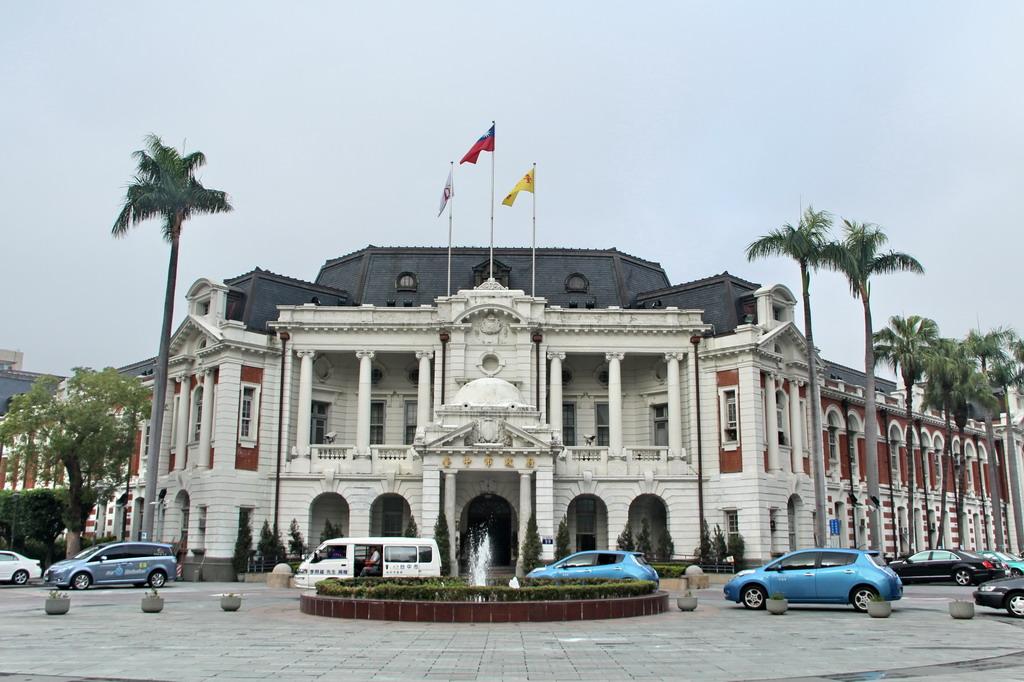 臺中教育局招募約僱人員 報名至31日截止