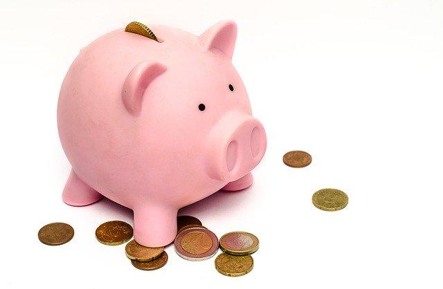 銀行業薪資再度奪冠!PTT網友激推這些行員「隱藏福利」