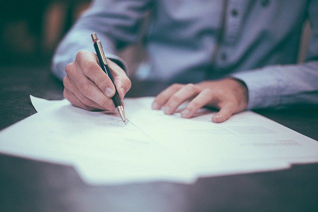 配合防疫!地政士、不動產經紀人證照展延至2020年9月1日